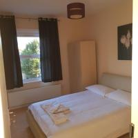 Double room Home Stay near Stratford