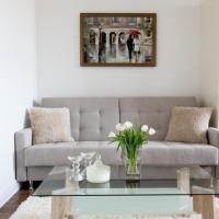 Bright Elegant City Apartment - 33