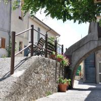 Via Della Fontana 11