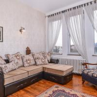 Elegant & Authentic, One Bedroom Apartment, National Palace of Culture View
