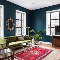 Deluxe Arts & Warehouse District Suites by Sonder
