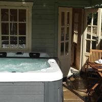 The Snug With Hot Tub