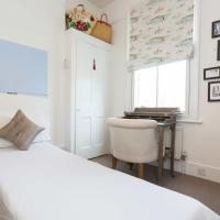 Veeve - Coveted Clapham Common