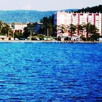 квартира на озере Тургояк