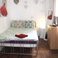 Studio flat for 2 person, King's Cross