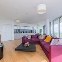 ★ PENTHOUSE 2BR 2BTH ★ Chiswick Park ★