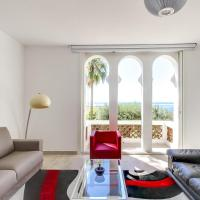 Holiday Home with beautiful Sea View