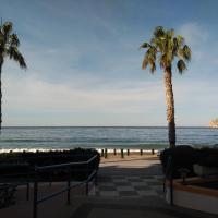 apartamento con piscina primera linea de playa