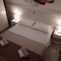 Apartmani Šišević - Comfort Apartment with Balcony and Sea View