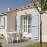 Three-Bedroom Holiday Home in Longeville sur Mer
