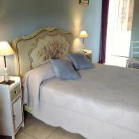 Chambres Peyroutas Camille