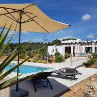 Villa Bravo Ibiza: Classic modern, 5 min. from the beaches