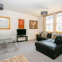 Amazing Two Bed Cottage in Victoria Park Village