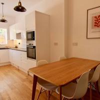 Stylish five bedroom house in Earlsdon