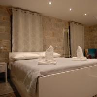 Elegant Residence Rooms & Apartments