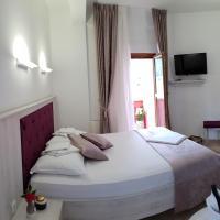 Apis Hotel