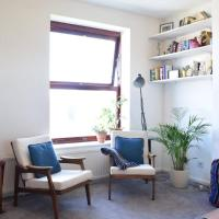 Bright Clapton 2 Bed Flat