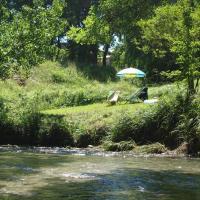 Les pieds dans l'eau: Gîte Gervanne - Plage privée
