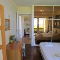 Seaview spacious apt in Vouliagmeni 5' walk to sea