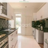 Garden Two-bedroom Apartment in Norbury