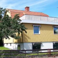 Three-Bedroom Holiday home in Strömstad 1