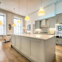 Spacious and Stylish 4-Bed Georgian Apartment