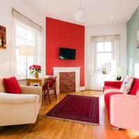 Bright Corner Apartment in Center of London (3)
