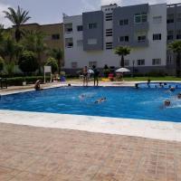 La Corniche Wi-Fi, Pool & Beach