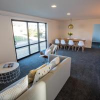4 - Charming Space, Just a Stone Throw from Central Wanaka