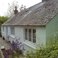 Riverside Cottage with Sauna