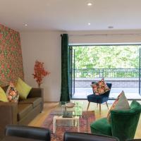 Central Cambridge Contemporary Penthouse