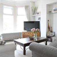 Booking hotels near clapham book your hotel now apartment 2 bedroom home in balham opens in new window malvernweather Image collections