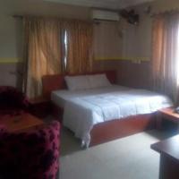 Ide's Honey Moon Resort
