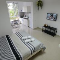 Olga Beach Apartment 28