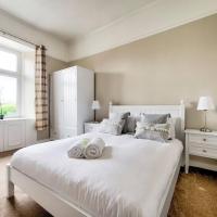 2 Bed West End Apt overlooking Kelvingrove Museum