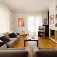 Spacious Apartment in Varkiza