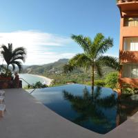 4 Bdrm Waterfront Property Overlooking Playa La Ropa - Combined Studio and Apartment