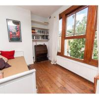Beautiful conversion flat in fashionable Hackney