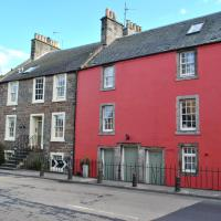 Great Lodging Red House- exceptional period home