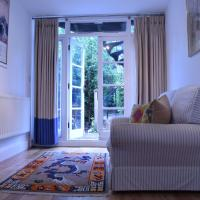 Spacious 1 Bedroom Apartment with Garden