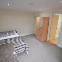 5 Bed, 5 En Suite Whole Apartment