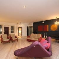 Great loft close to Kremlin in the 19th century mansion
