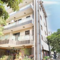 1 BR Boutique stay in Patel Nagar, New Delhi (5FCC), by GuestHouser