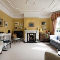 Magnificent Clapham Common Home close to Brixton