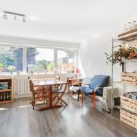 Airy 2bed flat in East London with Large Garden