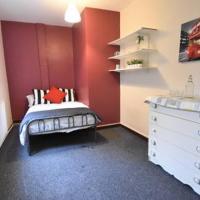 9 Bed 9 En Suite Whole House