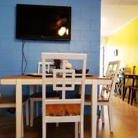 Ala moana area 2BR APT, new furniture/free parking/WIFI/AC