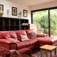 2 Bedroom Flat in Brockley With Garden