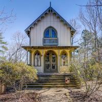 River Vineyard Cottage