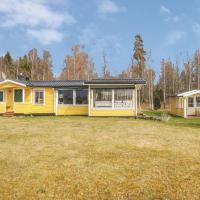 Three-Bedroom Holiday Home in Liatorp